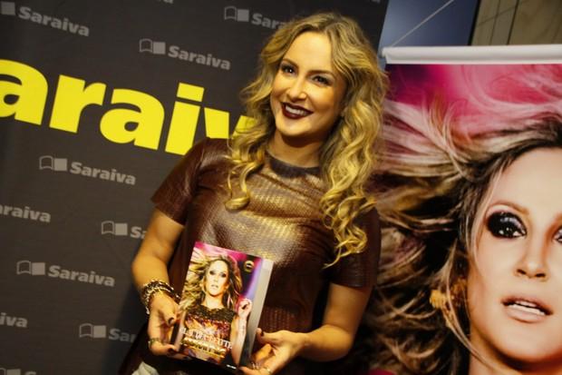 Claudia Leitte lança cd em livraria na Barra da Tijuca, RJ (Foto: Graça Paes/Foto Rio News)