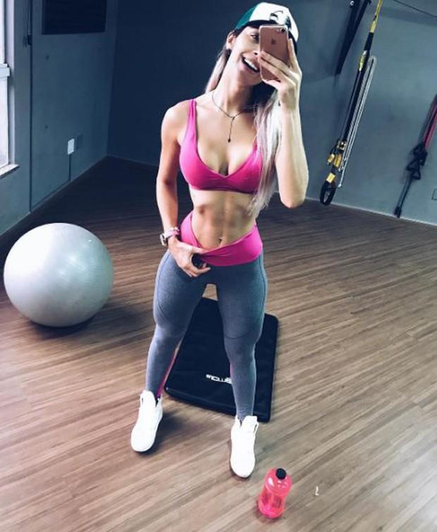 Tatiele Polyana na academia (Foto: Reprodução/Instagram)