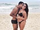À espera de Zion, seu primeiro filho, Micael Borges paparica a namorada