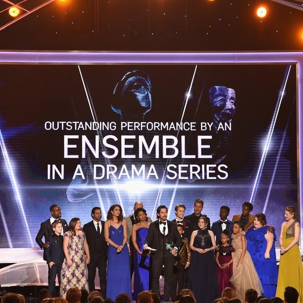 """O elenco de """"This Is Up"""" durante a premiação do SAG Awards (Foto: Getty Images)"""