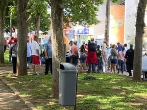 Servidores aderem à greve em Araras (Foto: Reprodução EPTV)