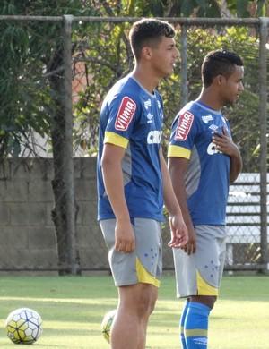 Elber volta aos treinos do Cruzeiro  (Foto: Marco Antônio Astoni )