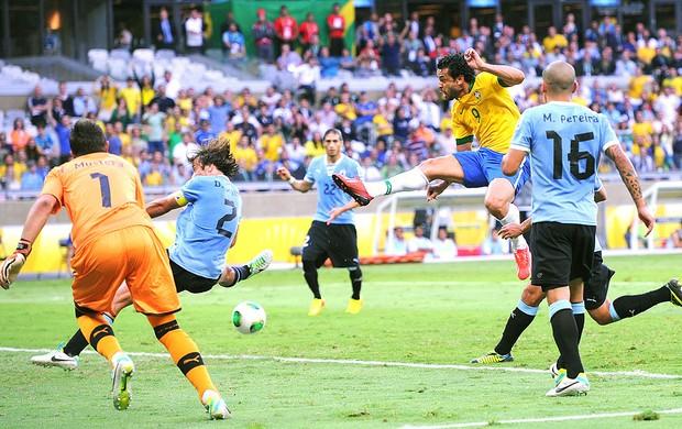 Fred gol Brasil jogo Uruguai (Foto: Getty Images)