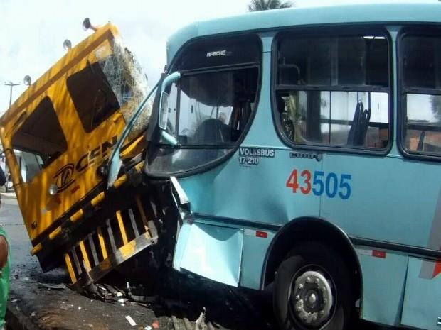 ônibus (Foto: TV Verdes Mares/ Reprodução)