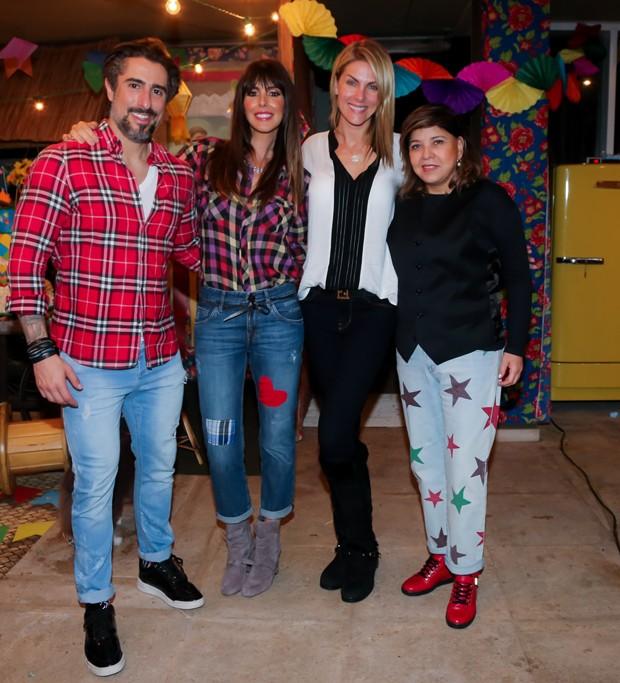 Marcos Mion e a Suzana Gullo com Ana Hickmann e Roberta Miranda (Foto: Manuela Scarpa/Brazil News)
