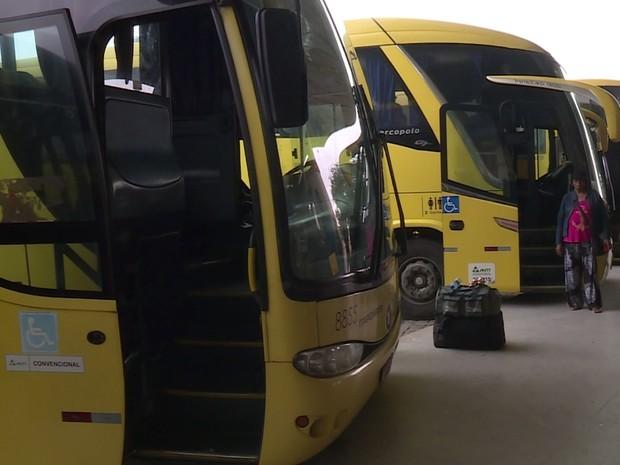 Motoristas da empresa Itapemirim paralisaram as atividades nesta quinta-feira (30) (Foto: Reprodução/TV Grande Rio)