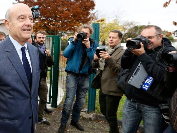 Ex-primeiro-ministro Alain Juppé aparece entre os favoritos (Foto: Regis Duvignau/Reuters)