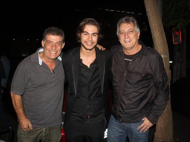 Giuseppe Oristanio, Rafael Vitti e Eduardo Galvão em estreia de peça na Zona Oeste do Rio (Foto: Rogerio Fidalgo/ Ag. News)