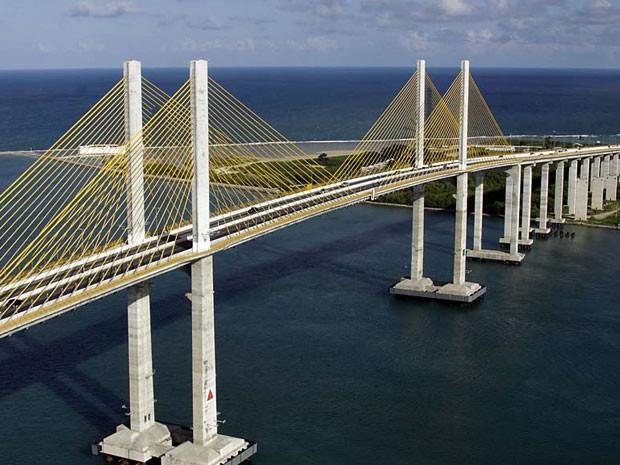 Juiz determinou melhorias na ponte Newton Navarro, cartão-postal de Natal (Foto: Canindé Soares)