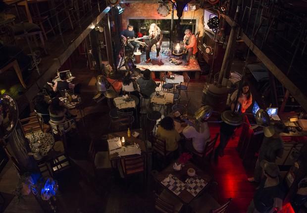 Bar e casa de shows Photozofia (Foto: Filipe Redondo / Época SP)