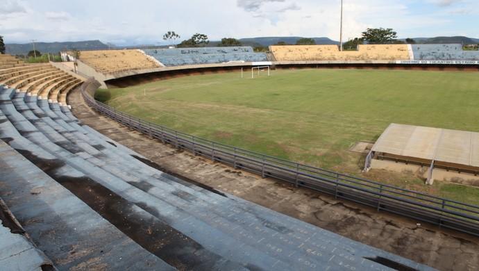 Estádio Nilton Santos interditado (Foto: Esequias Araújo/Jornal do Tocantins)