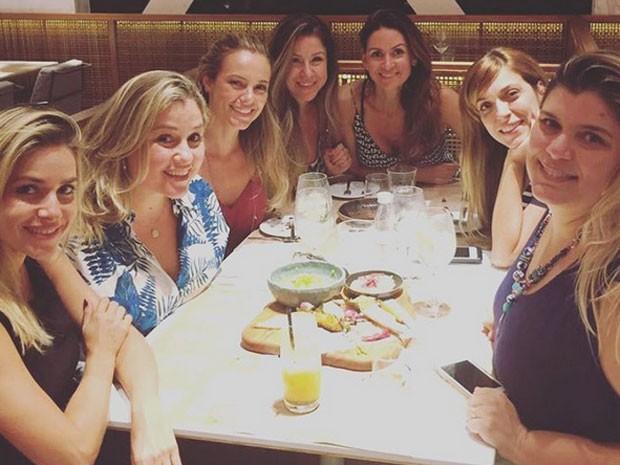 Monique Alfradique, Marcella Bordallo, Paolla Oliveira, Julia Rabello e Mariana Nogueira (Foto: Instagram/ Reprodução)