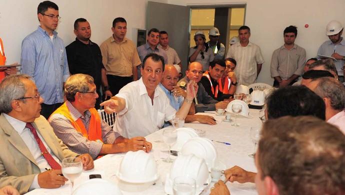 Omar Aziz governador do Amazonas Reunião (Foto: Roberto Carlos/Agecom)