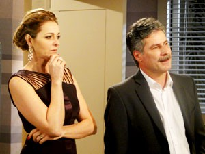 Sônia e Otto reconhecem as Empreguetes (Foto: Cheias de Charme / TV Globo)