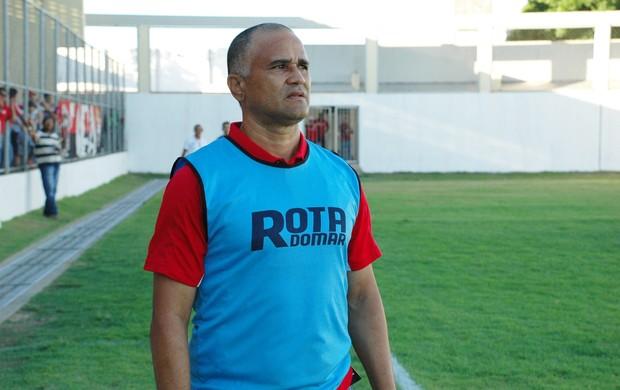 Oliveira Canindé, técnico do Campinense, campinense, canindé, treinador do campinense, raposa (Foto: Lucas Barros / Globoesporte.com/pb)