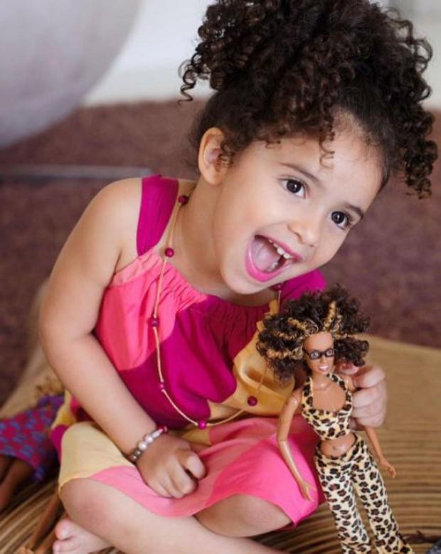 Lara, filha caçula de Samara Felippo (Foto: Reprodução/Instagram)
