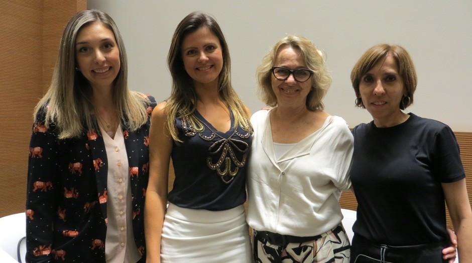 A partir da esquerda, Rafaela Araújo e Marcele Gama Viana, da Fundação Dom Cabral; e Maria José Tonelli e Cláudia Brochini, da Fundação Getulio Vargas (Foto: Mariana Iwakura)