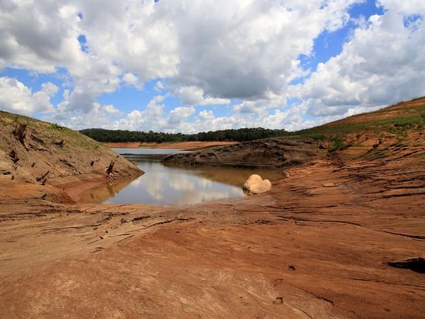 Represa de Joanópolis (SP), parte do Sistema Cantareira nesta segunda-feira (10) (Foto: Luis Moura/Estadão Conteúdo)