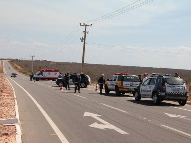 Acidente aconteceu na RN-013 na tarde deste sábado (1º) (Foto: Marcelino Neto/O Câmera)