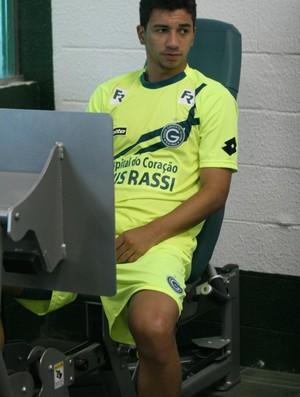 Renan Oliveira, meia do Goiás (Foto: Rosiron Rodrigues/Goiás E.C.)