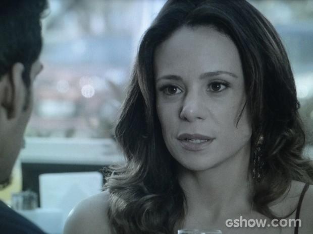 Juliana diz para o marido que não se arrependeu (Foto: Em Família/TV Globo)
