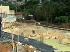 Rua é liberada após cratera 'engolir' poste de energia elétrica em Itatiba