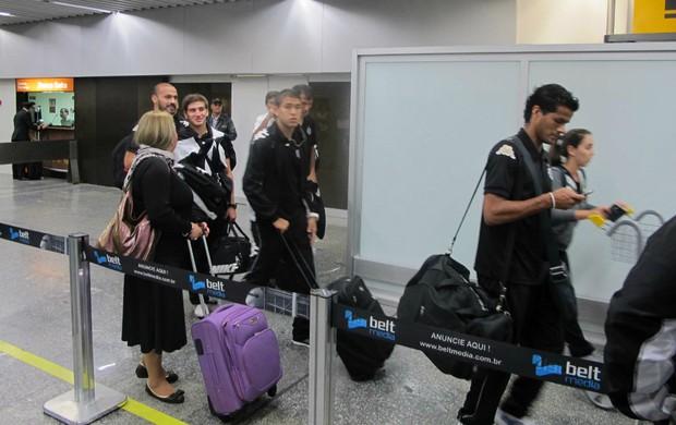 Delegação do Olimpia, chegada ao Rio (Foto: Rafael Cavalieri / Globoesporte.com)