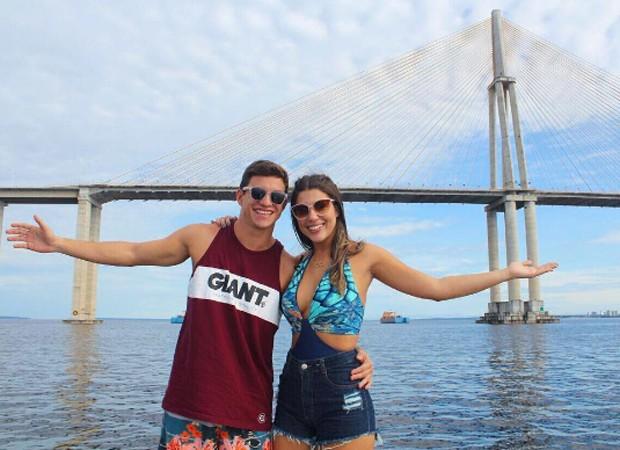 Manoel e Vivian em Manaus (Foto: Reprodução/Instagram)