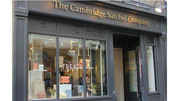 A Cambridge Satchel Company tem uma loja na requintada região londrina de Covent Garden  (Foto: BBC)