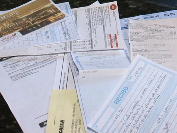Universitárias se enrolam com as contas a pagar das repúblicas (Foto: Reprodução/TV Gazeta)