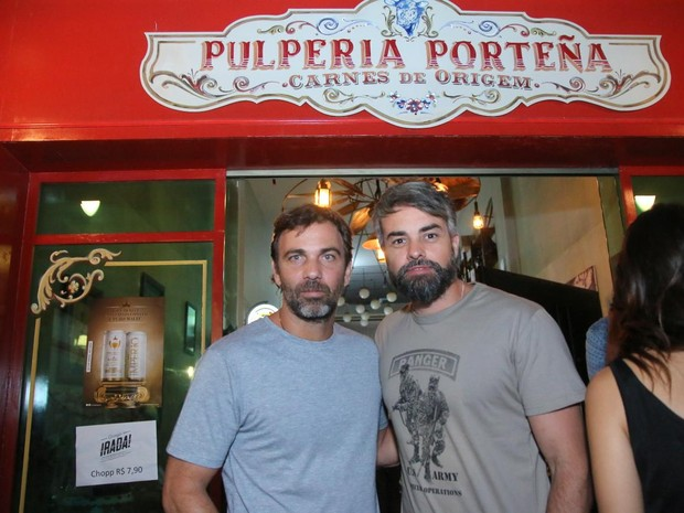 Marcelo Faria e Márcio Kieling em festa na Zona Oeste do Rio (Foto: Daniel Pinheiro/ Ag. News)