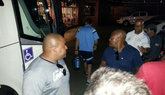 Fernando Prass, na chegada ao hotel em Presidente Prudente (Foto: João Paulo de Tilio)