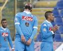 Higuaín faz dois no fim, mas Napoli perde e deixa liderança para Inter