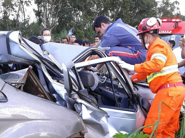 Acidente deixa um morto e um ferido  na BR-222, em Açailândia-MA (Foto: Divulgação / PRF)