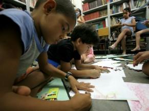 Reforço escolar na Cidade de Deus, Rio de Janeiro (Foto: Douglas Engle /ActionAid /Divulgação)
