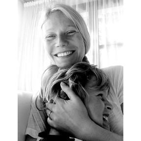 Gwyneth e o  filho (Foto: Reprodução/Instagram)