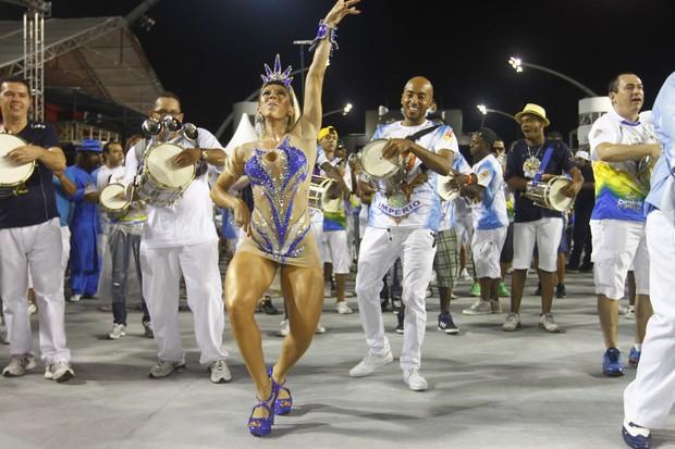 Andrea de Andrade em ensaio da Império de Casa Verde no sambódromo do Anhembi, em São Paulo (Foto: Leo Franco/ Ag. News)