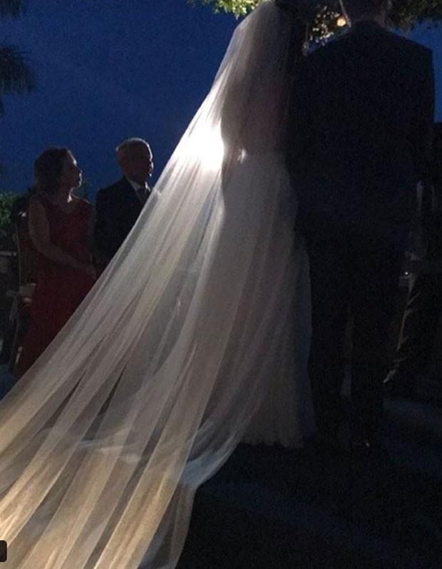 Os recém-casados Fabio Porchat e Nataly Mega (Foto: Reprodução Instagram)