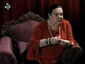 Mãe Dináh em programa do Canal Brasil (Foto: Reprodução/Canal Brasil)