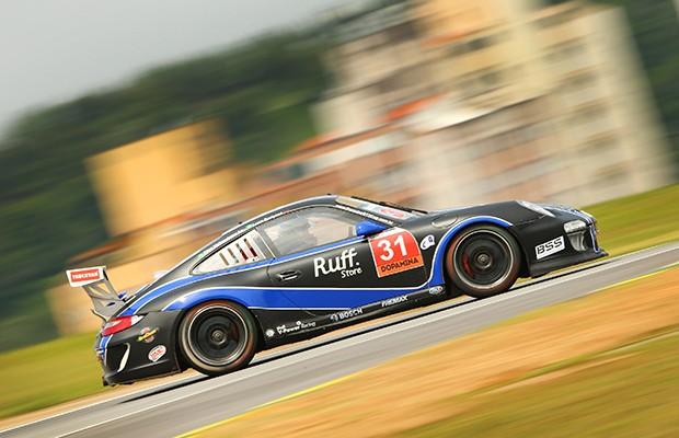 Luca Seripieri e Alan Hellmeister venceram na Challenge  (Foto: Luca Bassani/PorscheCup)