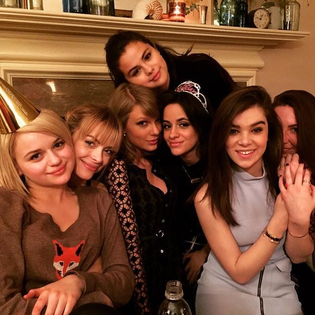 Camila Cabello, Taylor Swift, Selena Gomez, Jamie King e outras famosas (Foto: Reprodução/Instagram)