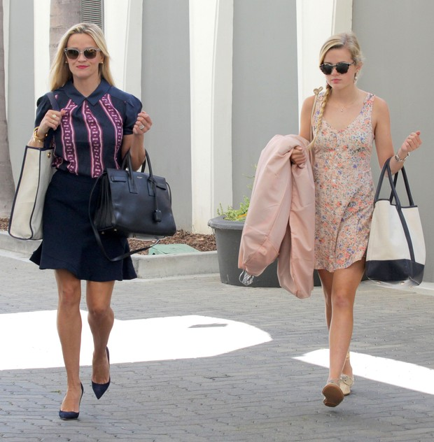 Reese Witherspoon e a filha Ava (Foto: Grosby Group)