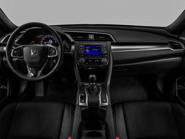 Interior do Honda Civic Sport 2017 (Foto: Divulgação)