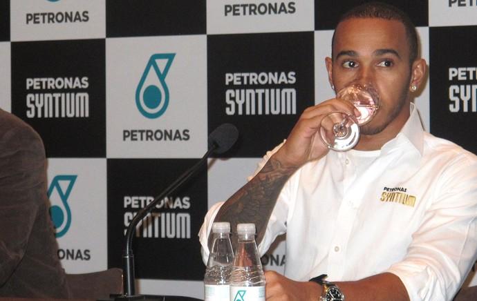 Lewis Hamilton coletiva F1 (Foto: Maria Clara Ciasca)