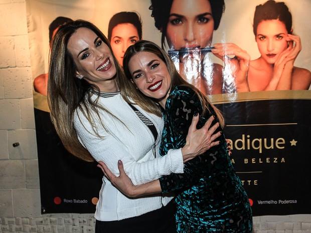 Ana Furtado e Monique Alfradique em evento na Zona Oeste do Rio (Foto: Marcello Sá Barretto/ Ag. News)