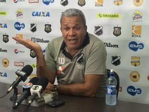 Hélio dos Anjos - técnico do ABC (Foto: Klênyo Galvão/GloboEsporte.com)