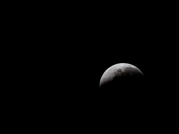 Eclipse lunar conhecido como 'Super lua' (Foto: Jonathan Lins/G1)