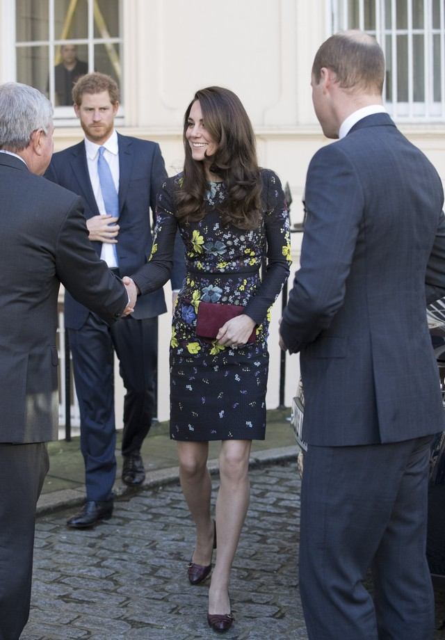 Kate Middleton com o Príncipe William e o Príncipe Harry (Foto: Getty Images)