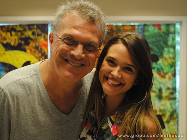 Reencontro no set de Malhação! Juliana Paiva e Pedro Bial gravam juntos de novo (Foto: Malhação / Tv Globo)