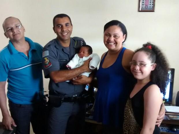 Para soldado, não há como mensurar a felicidade de ter salvo o bebê e ajudado a família de Rio Claro (Foto: Arquivo pessoal)